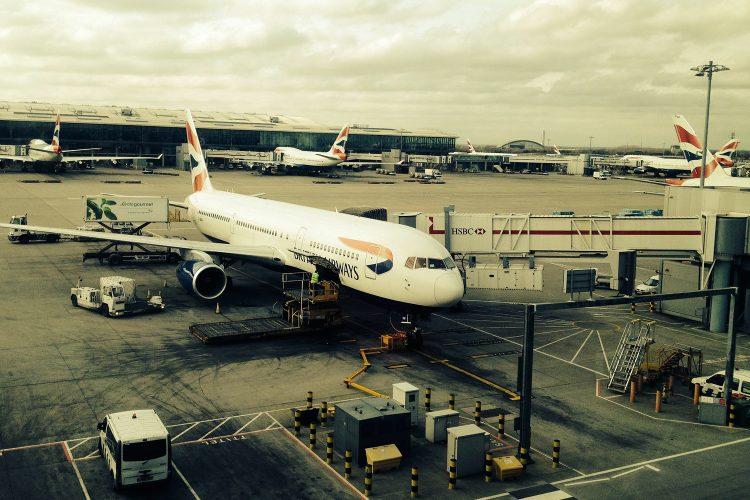 avión British Airways aeropuerto