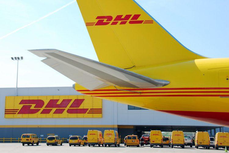 DHL avión carga transporte