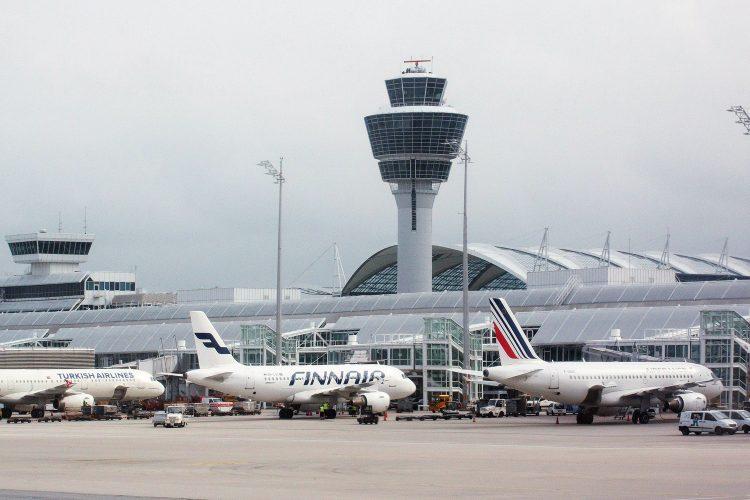 aeropuerto aviones torre de control