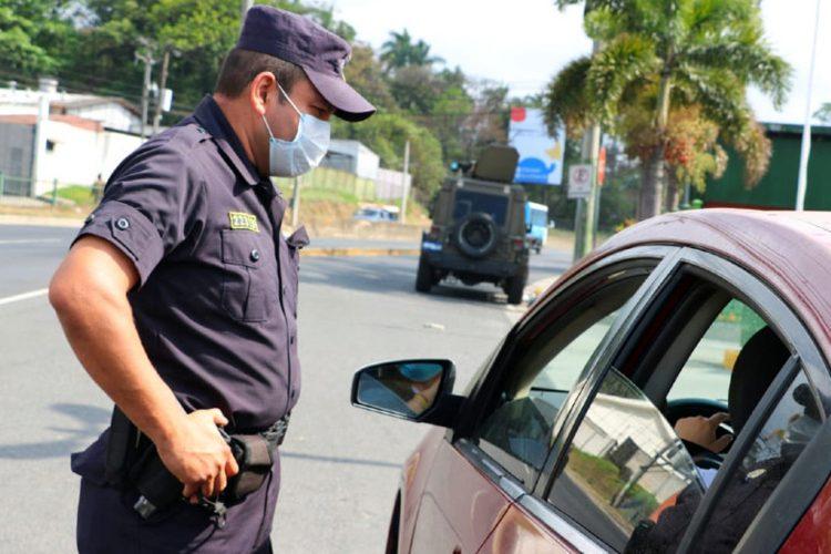 Policía Nacional El Salvador coronavirus