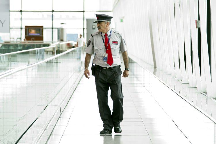 vigilante Securitas aeropuerto Ezeiza Buenos Aires