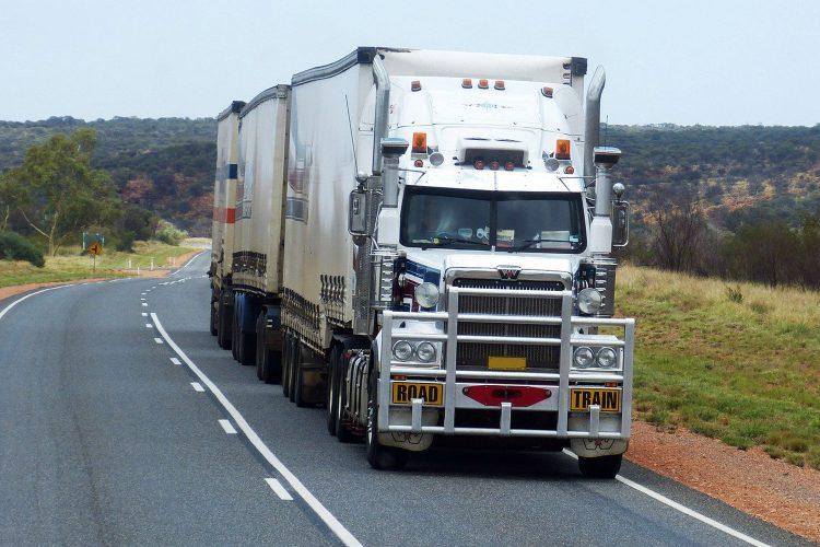 camión mercancías seguridad transporte carretera