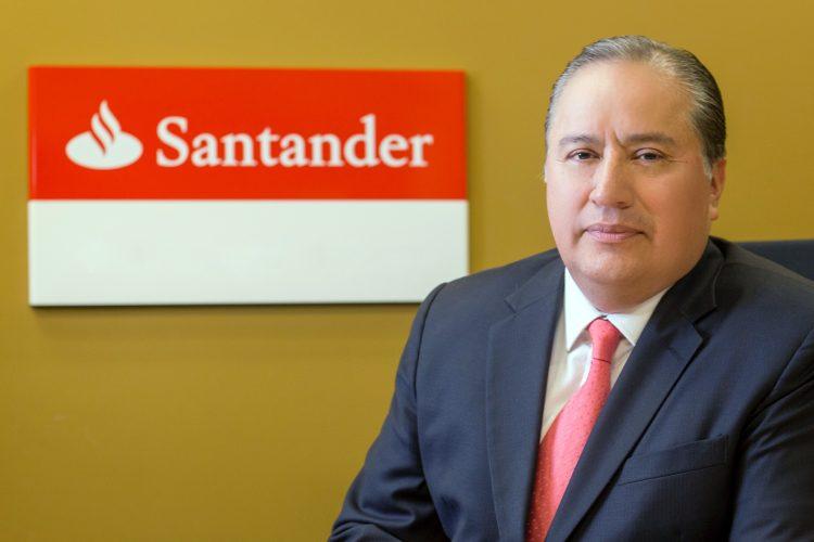 Víctor Hugo Ramos Ortiz Banco Santander México despacho