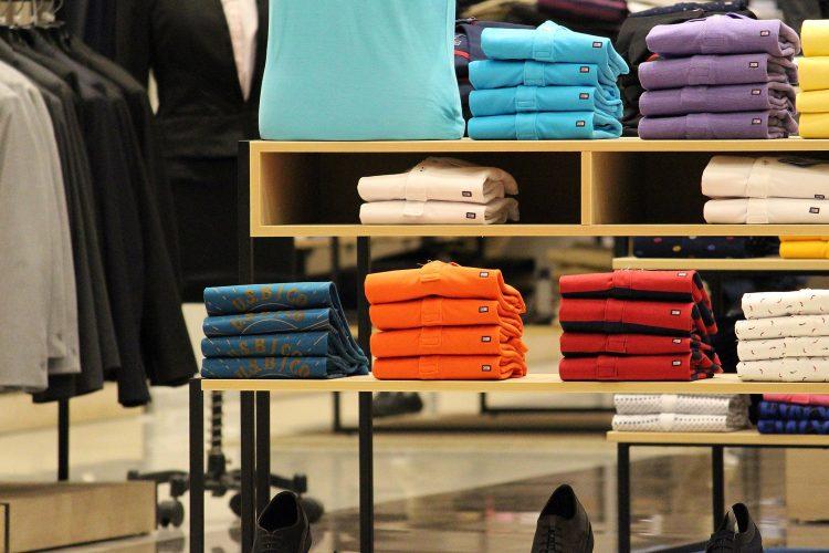 retail boutique de ropa y calzado