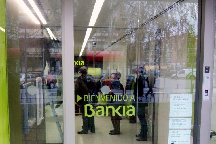 Manusa puertas Bankia sucursal