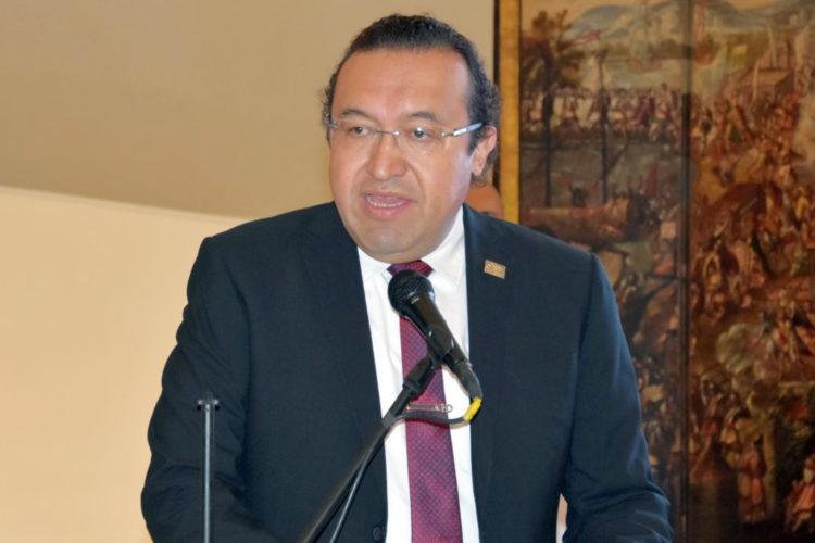 Armando Zúñiga Salinas Asume
