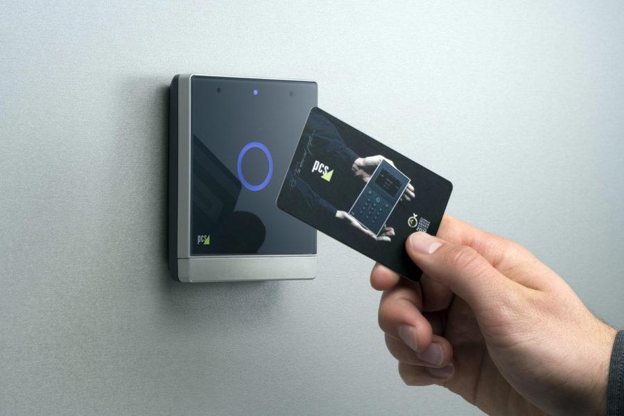 control de accesos tarjeta RFID sin contacto