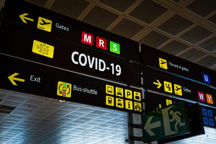 seguridad aeroportuaria panel COVID-19 aeropuerto
