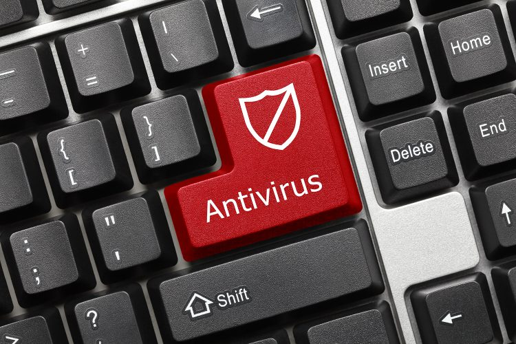 ciberseguridad tecla de antivirus en el teclado de un ordenador
