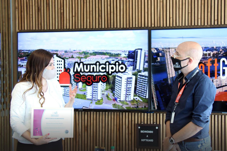 La diputada nacional Gladys Medina y Daniel Banda CEO de SoftGuard
