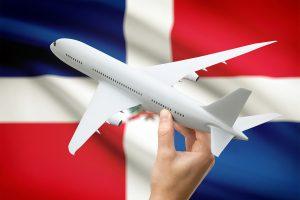 avión y bandera de la República Dominicana