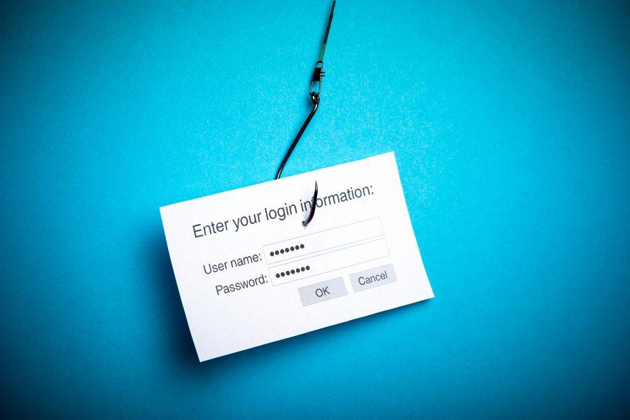 ataque de phishing solicitando usuario y contraseña