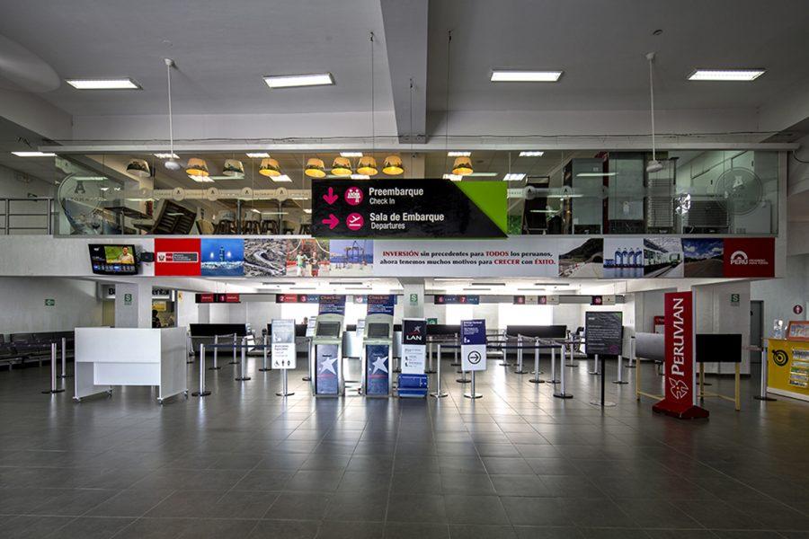 Terminal del aeropuerto Capitán FAP Guillermo Concha Iberico de Piura (Perú).
