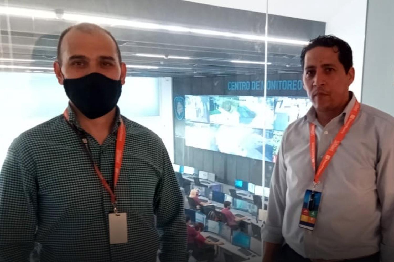 Delegación de SoftGuard visitó el centro de videovigilancia de Chacarita