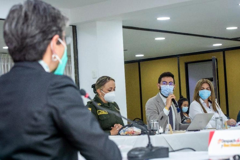 alcaldesa de Bogotá se reúne con seguridad privada
