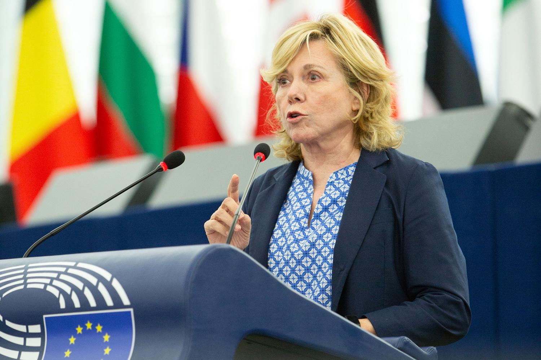 La eurodiputada española Pilar del Castillo en una sesión sobre ciberseguridad en el Parlamento Europeo