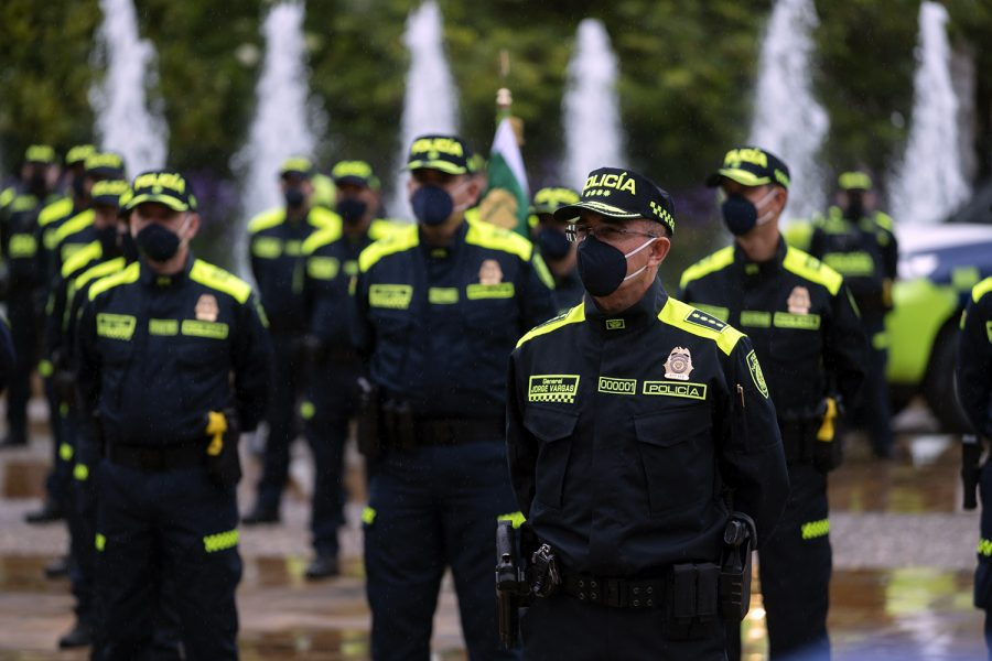 La Policía Nacional de Colombia estrena uniforme azul