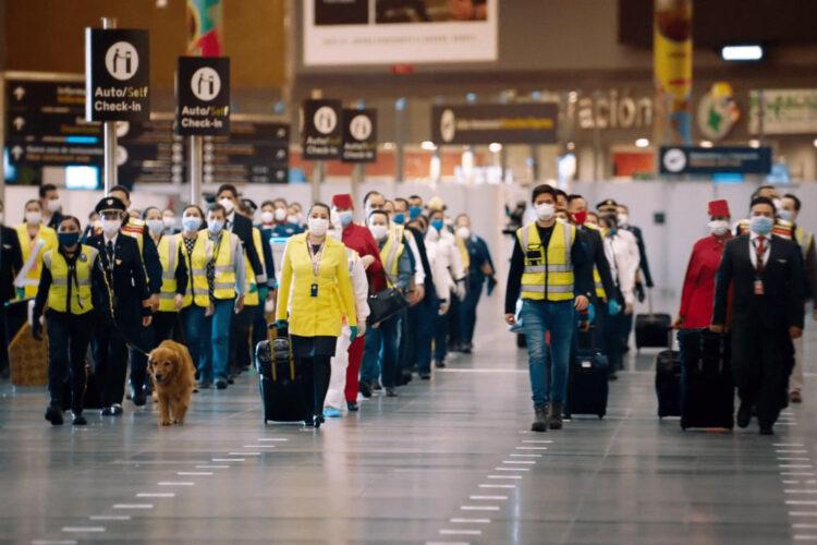 trabajadores del aeropuerto El Dorado de Bogotá