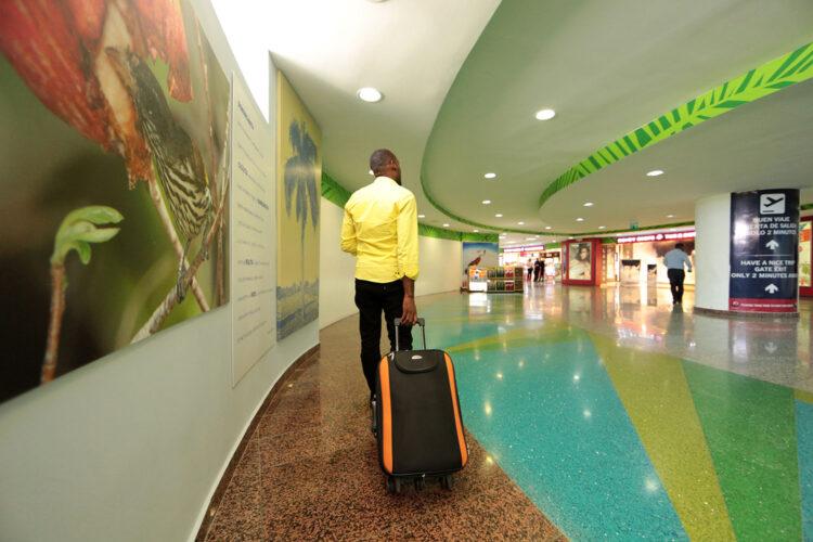 terminal del Aeropuerto Internacional de las Américas de Santo Domingo